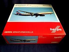 1:200 Herpa Wings Aeroflot Airbus A330-300 VP-BEK HE555609 NEW Display Model