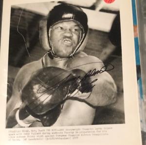 Larry Holmes Autographed 8x10