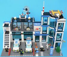 LEGO 7498 - Police Station - City - 2011 - complete