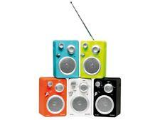 RADIO FM COMPACTE AVEC ENTREE CASQUE ET AUXILIAIRE POUR LECTEUR MP3 SMARTPHONE..