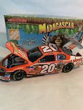 2005 1/24 Action Tony Stewart #20 Home Depot / Madagascar Diecast Car