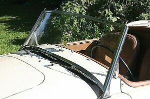 MGA WINDSCREEN ASSEMBLY RECONDITIONED COLLECTION ONLY  !! NO CREDIT CARDS !!