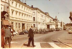 Orig. Foto HELSINKI /HELSINGFORS Militärkolonne, Straßenbahn, Citroen DS  1960
