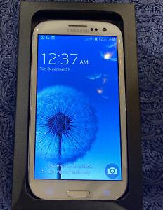 Samsung Galaxy S III SGH-I747 - 16GB -  White (AT&T) Smartphone