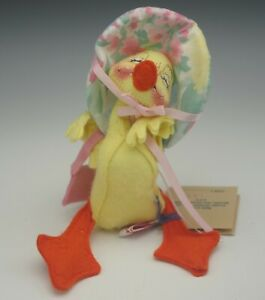 ANNALEE MOBILITEE 1994 YELLOW DUCK WITH HAT DOLL MWT MADE IN USA