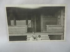 VINTAGE RPPC LADY & CHILDREN ON PORCH OF HOME IN TONASKET WASHINGTON CIRCA 1910