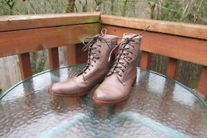 Frye Erin Cap Toe Lace Up Boots Orig $298 Women's -9