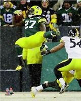 """Eddie Lacy Green Bay Packers NFL Snow Game Action Photo (8"""" x 10"""")"""