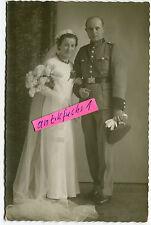 Portrait-Foto : Deutscher Polizei-Soldat aus Essen-Katernberg mit Frau im 2.WK