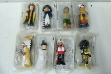 VINTAGE CEREAL TOY & CARD PEOPLE OF THE WORLD TRADITIONAL COSTUME  UNOPENED BAGS