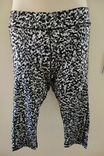 UNDER ARMOUR CAPRI TIGHTS NEW SIZE LARGE PRINTED COMPRESSION RUNNING HEATGEAR