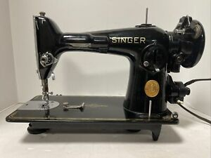 SINGER 201 SEWING MACHINE WORKING WITH ACCESSORIES VINTAGE 1946 201-2