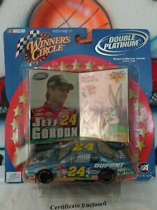 1:43 NASCAR Winner's Circle Double Platinum Jeff Gordon & Bugs Bunny