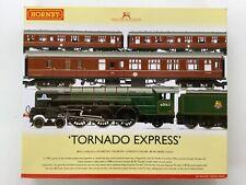 Hornby OO R3059 BR Tornado Express Train Pack