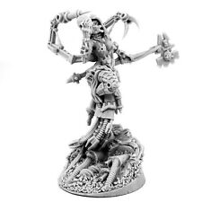 28mm-scale MECHANIC ADEPT FEMALE TECH PRIEST SKULL KEEPER
