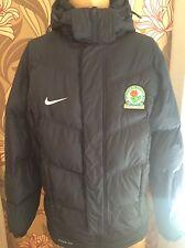 Oficial Blackburn Rovers Hombre Nike Acolchado Acolchado S/M jacket Banco De Jugador