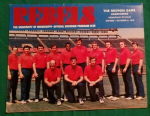 1976 Georgia vs Mississippi Rebels Football Program Oct 9 Bulldogs UGA