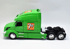 VOLVO VN-780 7UP Truck Diecast Car Model 1:32