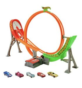 Hot Wheels Power Shift Raceway Track Set Loop & Jump with 5 Cars + Batteries