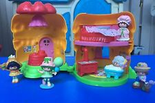 Vintage Strawberry Shortcake miniature house with mini figures Lot Pvs