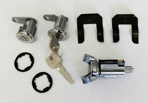 NEW! 1970 - 1973 Ford Mustang Lock set doors & Ignition Matched set, Keys, Clips