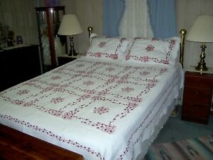 Donna Sharp/Cracker Barrel Queen Embroidered Quilt and Shams 91x94