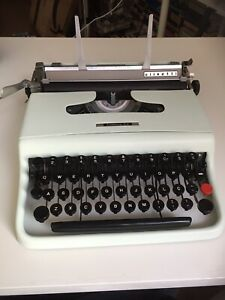 /'OLIVETTI M40/' TOP QUALITY *10M *BLACK//*BLACK//RED//*PURPLE* TYPEWRITER RIBBON