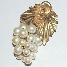 Vintage faux pearl hanging grapes bunch dangle cluster gold tone leaf pin brooch