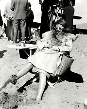 """BETTE DAVIS ON THE SET OF THE FILM """"THE BRIDE CAME C.O.D."""" - 8X10 PHOTO (ZY-914)"""