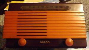 "Butterscotch GAROD ""COMMANDER"" 1945 CATALIN BAKELITE VACUUM TUBE RADIO-WORKING!!"