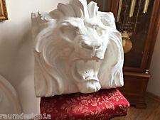 Stucco -  großer majestätischer Löwenkopf aus Stuck Relief Bekrönung