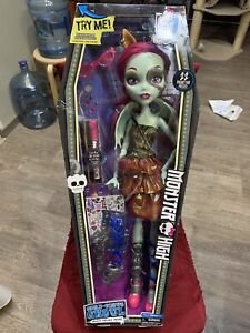 """New MONSTER HIGH 28"""" Gore-geous Ghoul Doll Green Skin W/Mask and Accessories"""