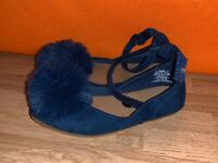 OLD NAVY Navy Blue Pom Ballet Flats Ankle Strap Mary Janes Shoes Sz 8 ❤️sj17j15