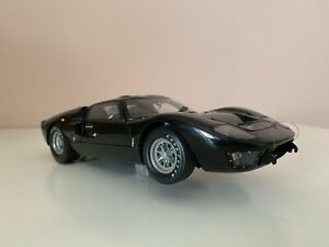 Ford GT40 MKII Works Prototype - Exoto - 1/18 - Defectuoso