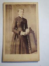 Brestedt - stehende Frau im Kleid - Portrait / CDV