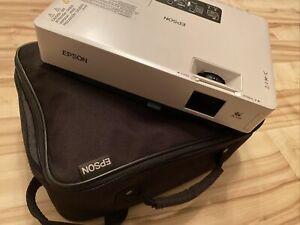 Epson Wireless Projektor Beamer EMP-1715 LCD Projector mit Transporttasche