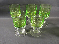 Lot de 5 verres anciens vintage verts design 20ème années 1970 french antique