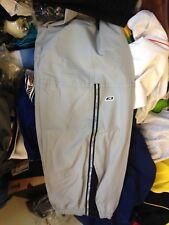 Reebok Chándal Pantalones en 3/4 longitud en £ 10 in (approx. 25.40 cm) Smaal/Med para hombre en gris 30/32 o