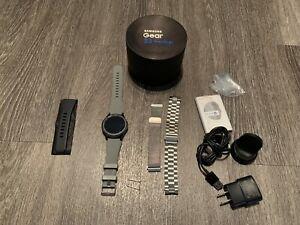 Samsung Gear S3 Frontier Watch Verizon Cellular 4G LTE & Bluetooth W/ XTRA BANDS