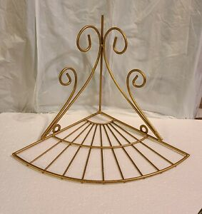 "9"" WALL HANGING CORNER BRASS METAL SELF SCROLL DESIGN"