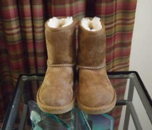 UGG Toddler Baby Boots Brown Size 8 Classic Short 5251T UK 7 EU 25