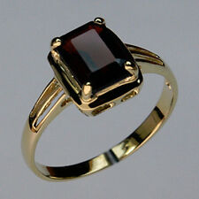 Garnet Solitaire Yellow Gold Ring