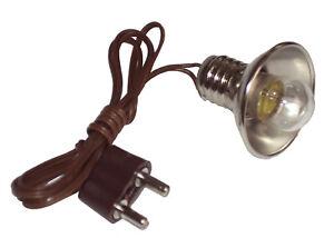 Fassung E10 mit Reflektor, Birnchen,Kabel,Stecker Lampe f.Krippe,Puppenhaus 3,5V