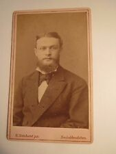 Neuhaldensleben - Mann mit Bart im Anzug - Portrait / CDV