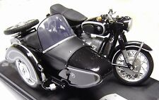 BMW R 60 - 2 avec pages Voiture/SIDE CAR * 1:18 Solido _