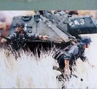 1/35 Resin Figure Model Kit German Soldiers Grenadiers (no tank) WWII Unpainted