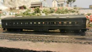 Athearn Vintage HO Unlettered Heavyweight Coach Exc.