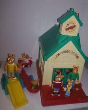 Pbs Arthur Lakewood School Schoolhouse Playset w Some Figures - Arthur Dw & More
