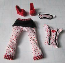 Monster High GHOULIA GHOULA YELPS DEAD TIRED 1st Wave 1 clothes PJs Mask & Card