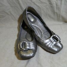 "🩰 Me Too Scrunch Ballet Flats sz 8 M ""Space"" Silver Leatherette; Ruche Straps"